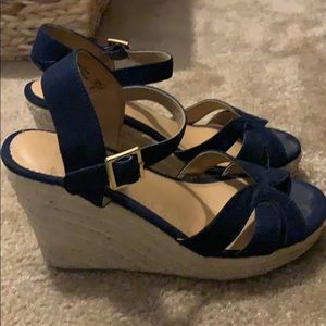 American Eagle wedges navy blue size 6